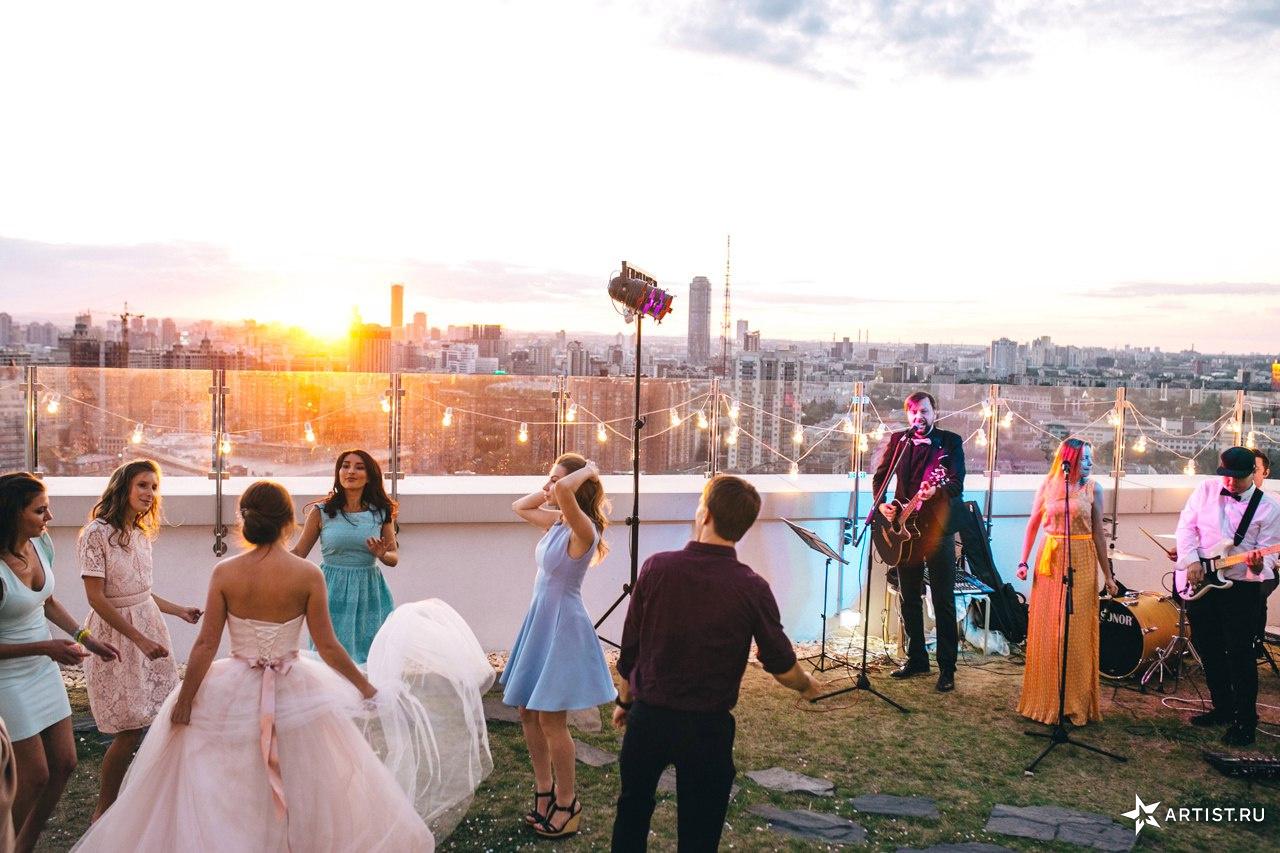 Фото 2 из 10 из альбома Прекрасная летняя свадьба  СУХОВ band (сухов бэнд)