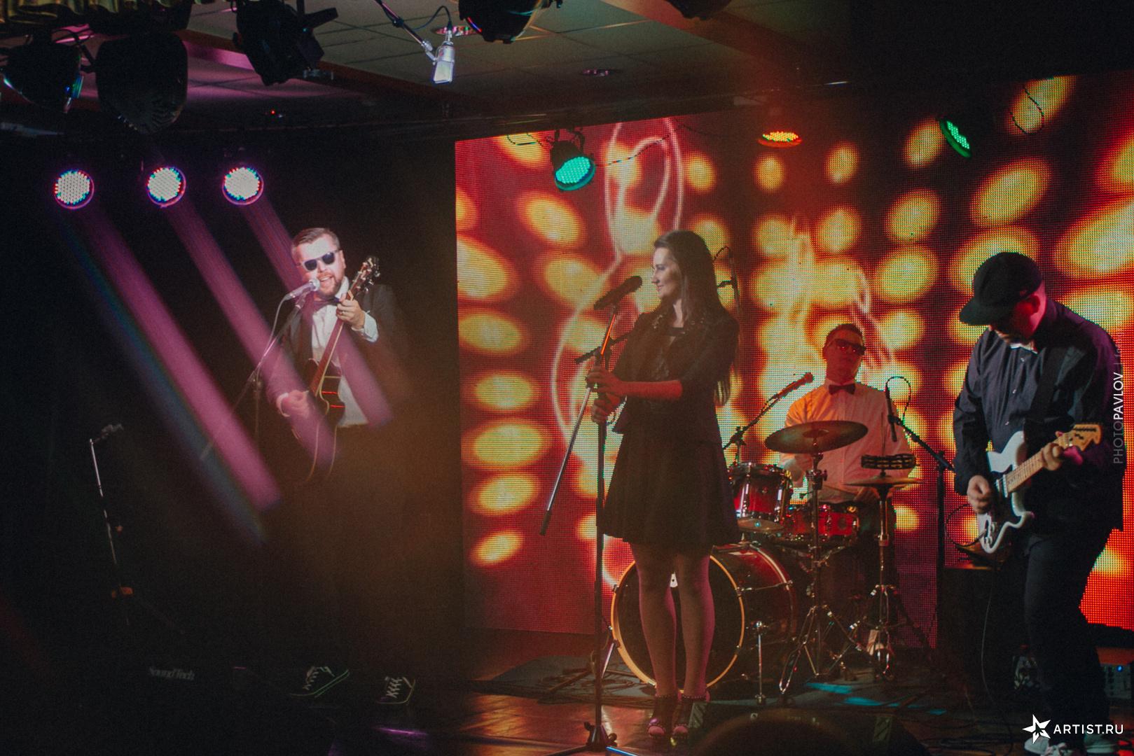 Фото 9 из 18 из альбома В Театре Эстрады  СУХОВ band (сухов бэнд)