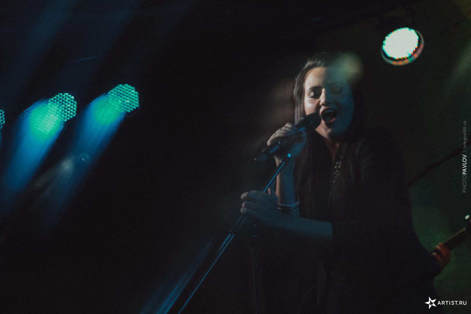 Фото 6 из 18 из альбома В Театре Эстрады  СУХОВ band (сухов бэнд)