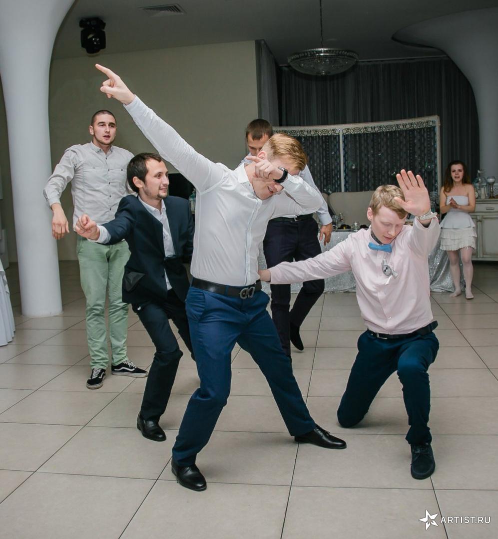 Фото 2 из 15 из альбома Свадьба Анастасии и Дмитрия Андрея Кислого