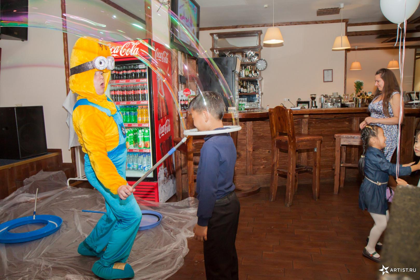 Фото 3 из 8 из альбома Детский праздник Асянди 1 год Андрея Кислого