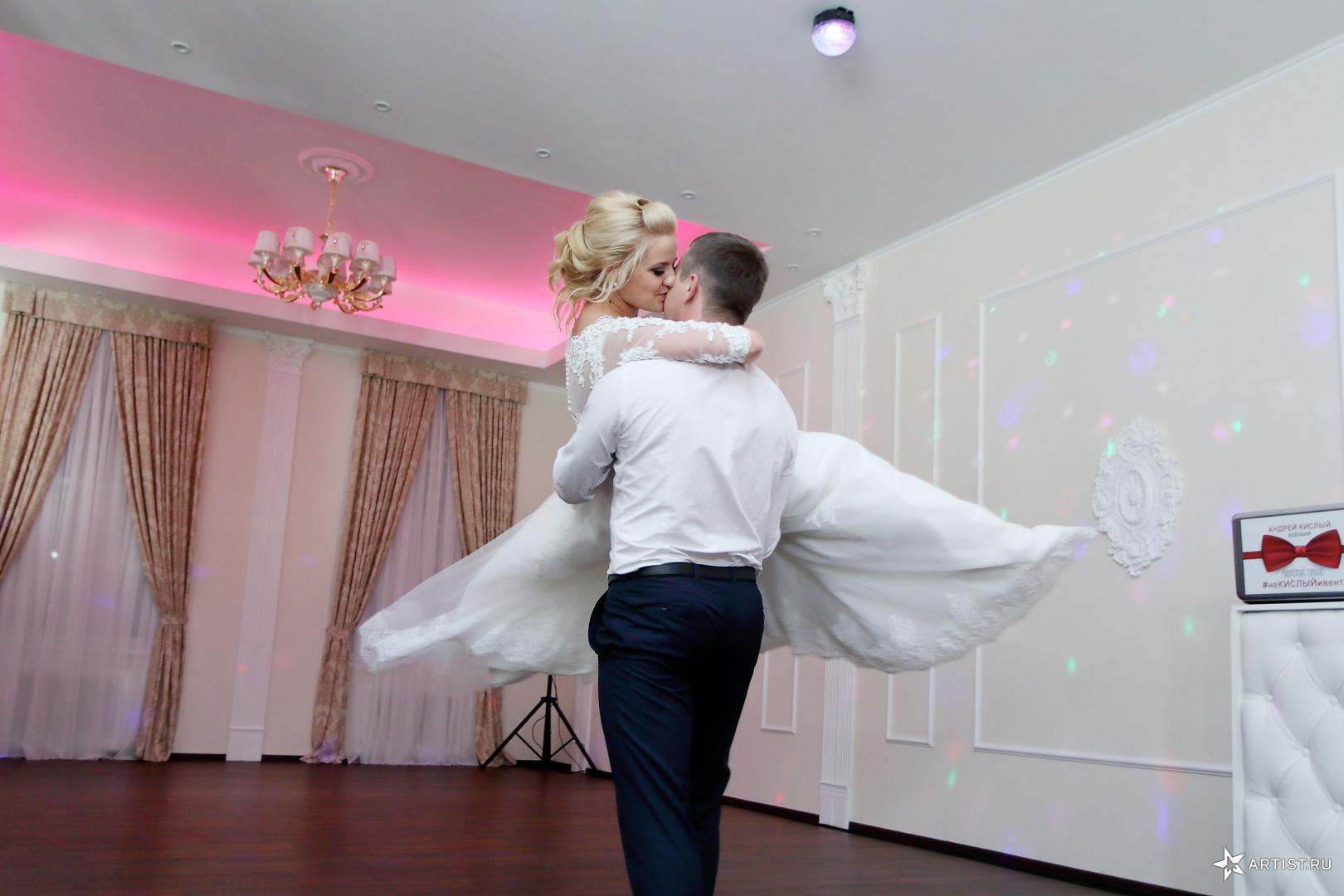 Фото 10 из 21 из альбома Свадьба Екатерины и Дениса Андрея Кислого